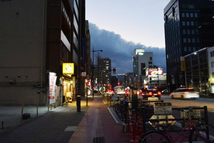 【福岡散歩日誌7】夕方の「舞鶴・赤坂辺り」を散歩【12月】:昭和通り