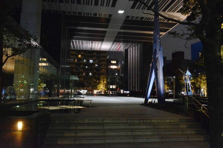 【福岡散歩日誌7】夕方の「舞鶴・赤坂辺り」を散歩【12月】:なんかのビルの入り口