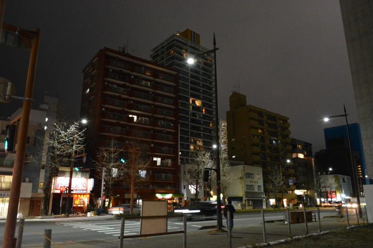 【福岡散歩日誌7】夕方の「舞鶴・赤坂辺り」を散歩【12月】:昭和通りで適当に撮ったビル