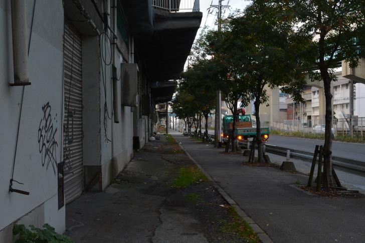 福岡散歩日誌:福岡倉庫横の道