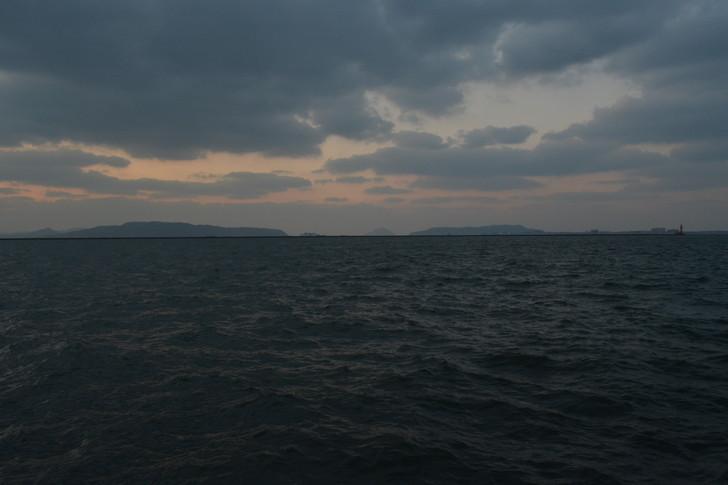 福岡散歩日誌:まるで永遠に続くかのような海