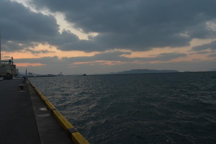 福岡散歩日誌:夕方の博多湾は最高