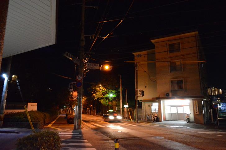 【福岡散歩日誌4】深夜の浄水通り:薬院交番