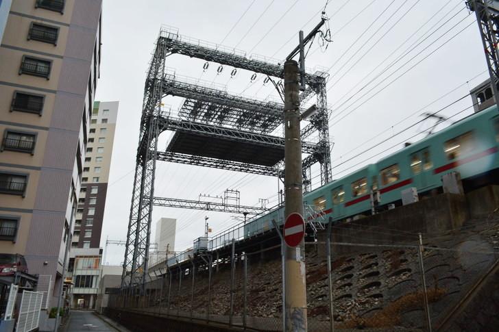 福岡散歩日誌:平尾駅のなんか変なやつ