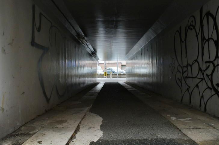 福岡散歩日誌:トンネルの中