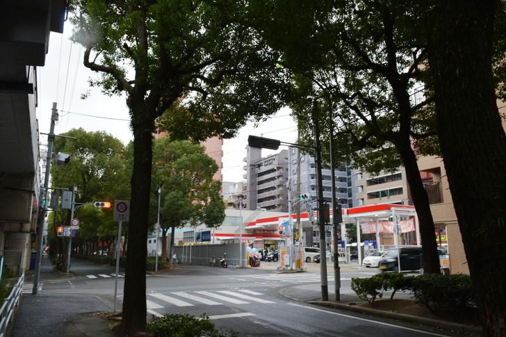 福岡散歩日誌:高宮通り沿いのガソリンスタンド