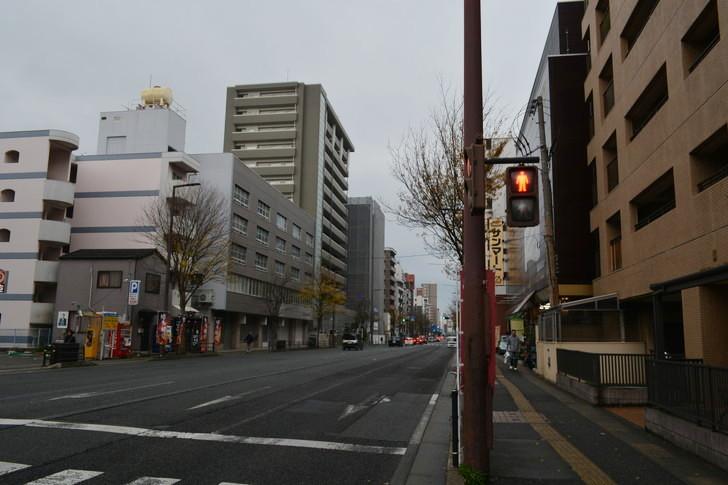 福岡散歩日誌:高宮通りに出てきました。