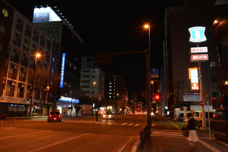 【福岡散歩日誌6】「渡辺通り」から「那の川」辺りを散歩【12月】:「渡辺通り」から「那の川」辺りを散歩:日赤通り2
