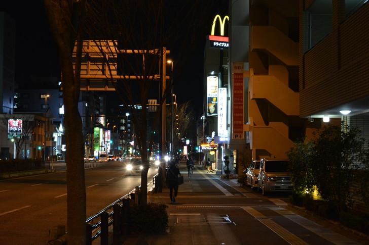 【福岡散歩日誌6】「渡辺通り」から「那の川」辺りを散歩【12月】:「渡辺通り」から「那の川」辺りを散歩:ひたすらマックへ向かう