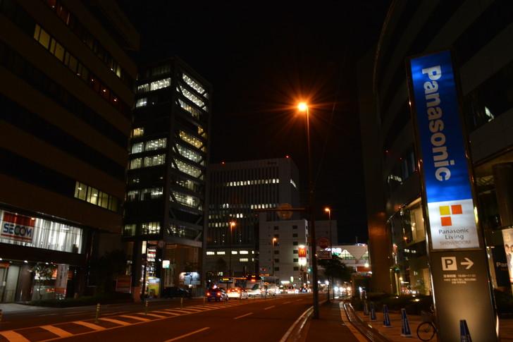 【福岡散歩日誌5】夜の薬院駅付近を散歩【12月】:更に薬院駅に向かって歩く