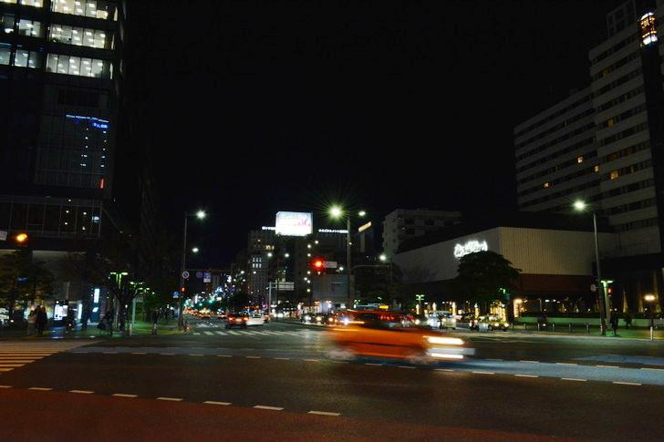 【福岡散歩日誌5】夜の薬院駅付近を散歩【12月】:渡辺通り一丁目交差点(2)