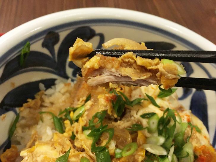 【薬院】細麺五島うどん!「萬田うどん」のグルメレポート:ヒレ肉が使われている