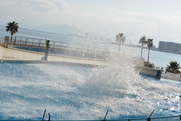 「マリンワールド」と「志賀島」を散歩:からの水しぶき