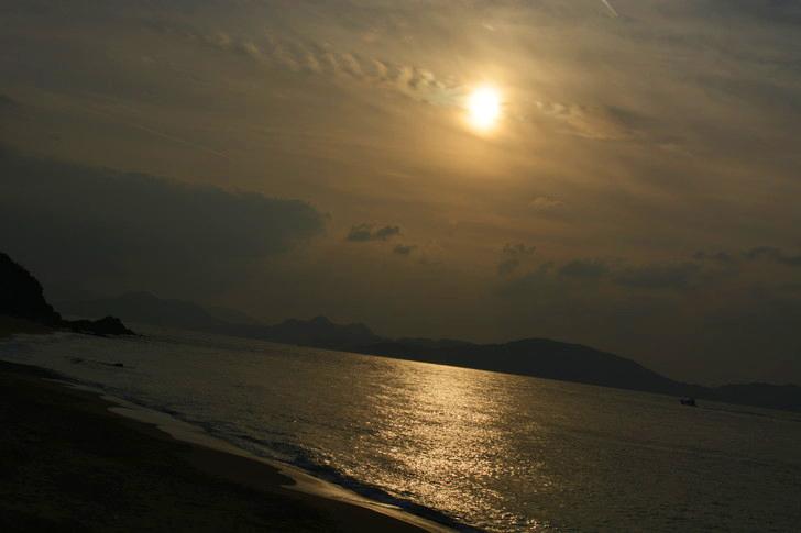 「マリンワールド」と「志賀島」を散歩:まだ全然高いところにある夕日