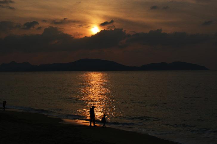 「マリンワールド」と「志賀島」を散歩:夕日と親子