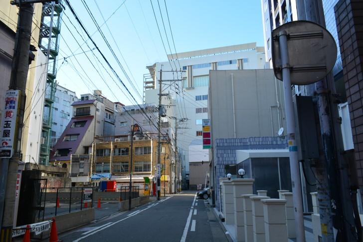 【福岡散歩日誌9】昼の「中州」を散歩【1月】:多門通り抜けた直後