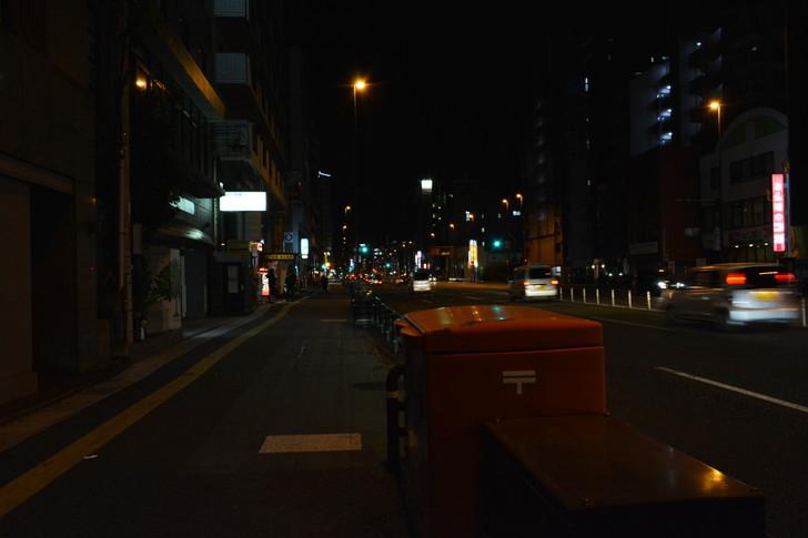 「日赤病院前(日赤通り)」と「高宮駅」近くの飲食店街を散歩【1月】:歩道とポスト