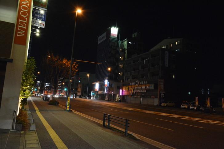 「日赤病院前(日赤通り)」と「高宮駅」近くの飲食店街を散歩【1月】:大きい道路