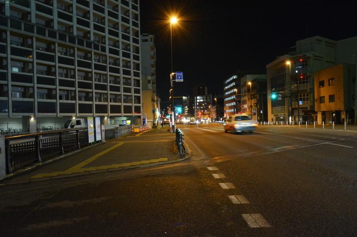 「日赤病院前(日赤通り)」と「高宮駅」近くの飲食店街を散歩【1月】:「ORIENT BLD No.51」前の道路