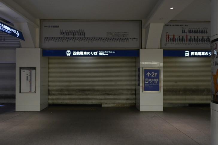 深夜の西鉄電車乗り場3