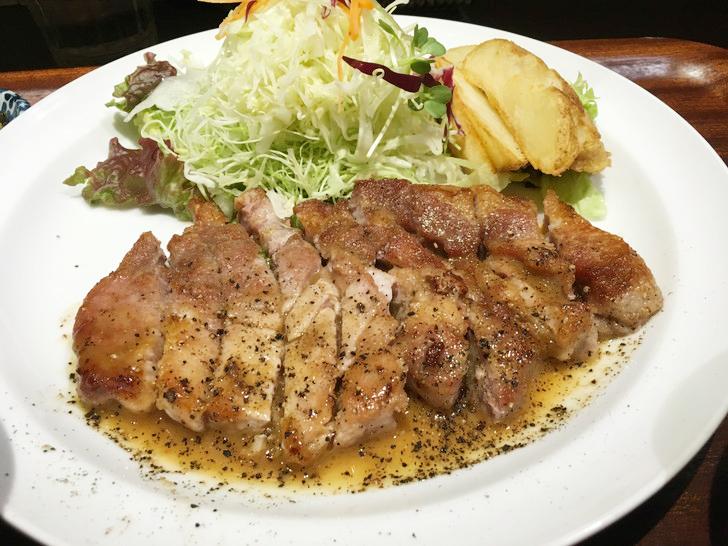 ポークソテー定食(920円)