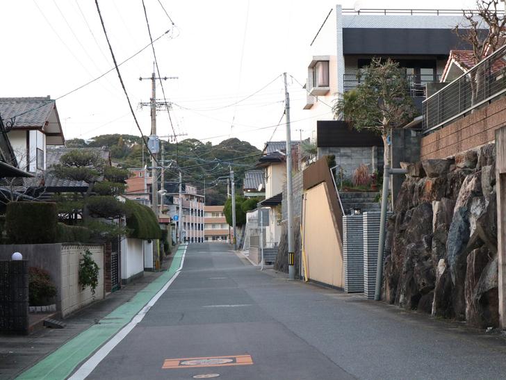 """霊園周りのちょっと不思議な空間「福岡市中央区""""平和""""」を散歩:閑静な住宅街"""