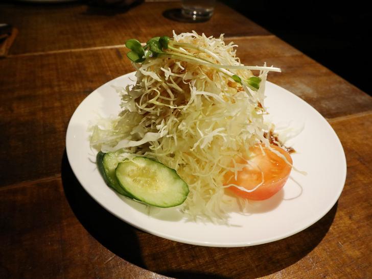 【赤坂】毎週通える本格スリランカカリー「ヌワラエリヤ」グルメレポート:前菜のサラダ