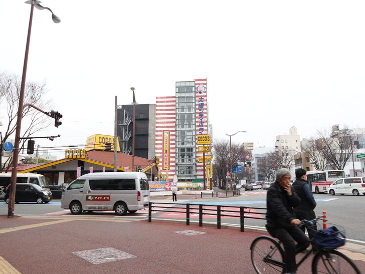 区役所周りの落ち着いた通り「福岡市南区塩原」をゆったり散歩:大橋駅前交差点