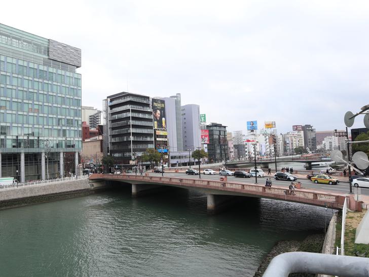 【博多】「水上公園」からの眺めが最高!:でも狭苦しくなく、とても解放感のある素晴らしいロケーション