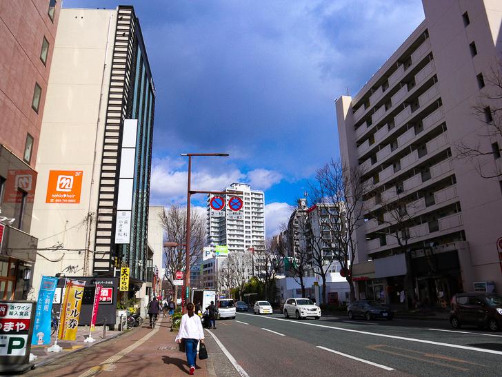 オシャレで趣のある街並み「警固交差点~大濠公園近く」までを散歩:「天ぷら だるま」付近