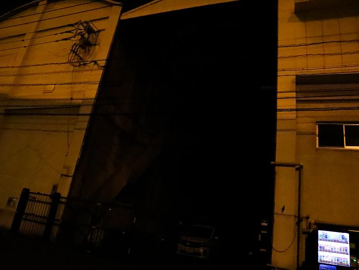 癒される異空間「深夜の須崎ふ頭」を散歩:暗過ぎて永遠に続く洞窟のよう