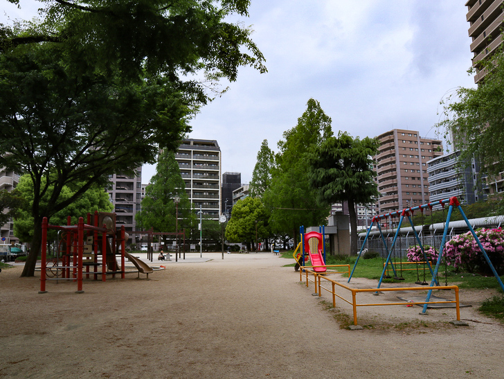 【南区大楠2丁目】静かな並木道をゆったり散歩:堀川公園:こんな感じの公園でした