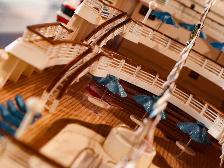 【ベイサイドプレイス博多(昼)】を思う存分満喫!: 博多ポートタワー:ミニチュアの作り込みが凄い