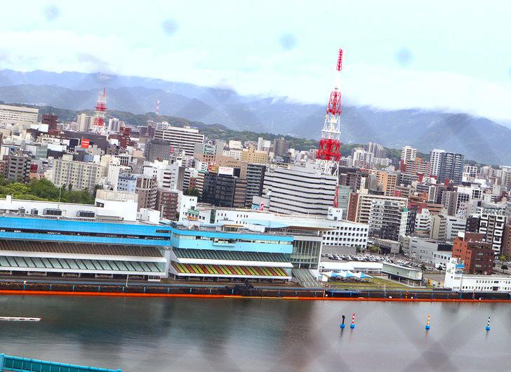 【ベイサイドプレイス博多(昼)】を思う存分満喫!: 博多ポートタワー:展望台からの景色①