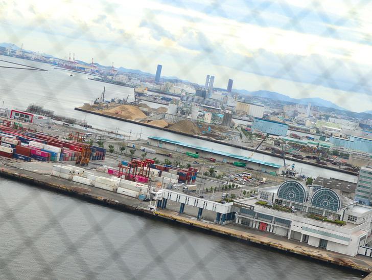 【ベイサイドプレイス博多(昼)】を思う存分満喫!: 博多ポートタワー:展望台からの景色④