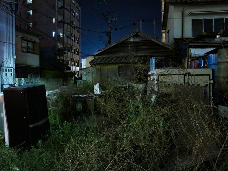 【ベイサイドプレイス博多(深夜)】やっぱり夜の海は良い: 廃墟のような場所