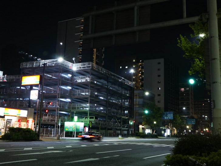 【ベイサイドプレイス博多(深夜)】やっぱり夜の海は良い: 大きい立体駐車場