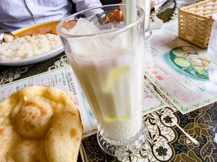 【薬院】素朴な雰囲気が良い!インドカレー屋「ミラン」グルメレポート: ラッシー