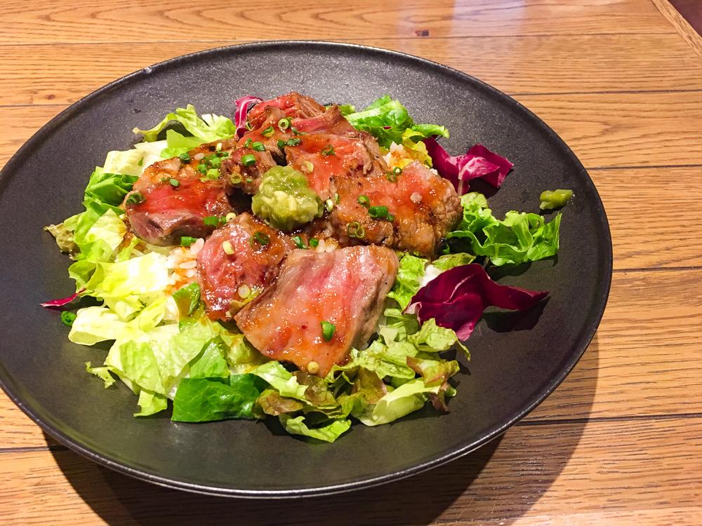 【薬院】ランチ限定ステーキ丼が大変美味な「SOSOL(ソソル)」グルメレポート