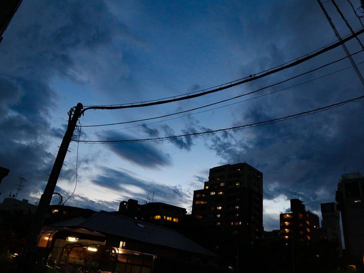 夕方の青い空が美しい