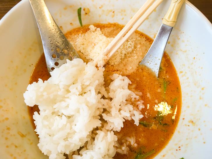 チーズ in 担々麺