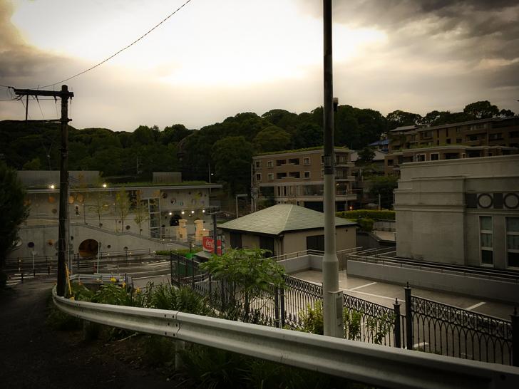 福岡市動物園入り口付近