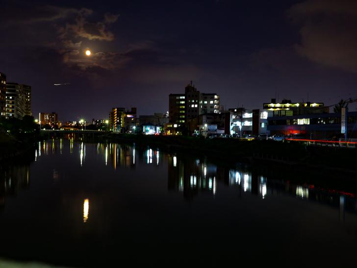 百年橋から撮影した那珂川