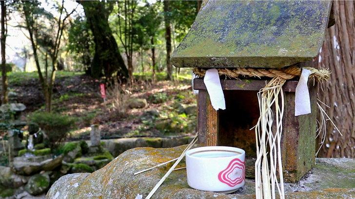 日吉神社:小さい祭壇