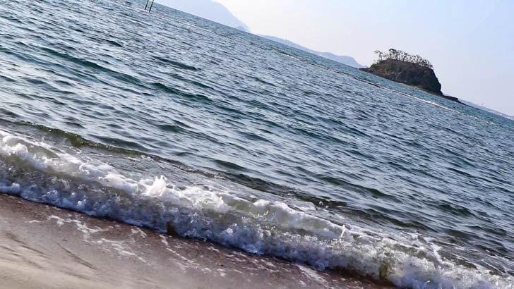 波の音が心地良い