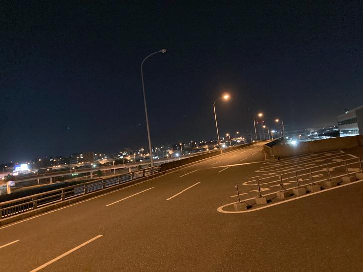 静かで広い道路が気持ち良い