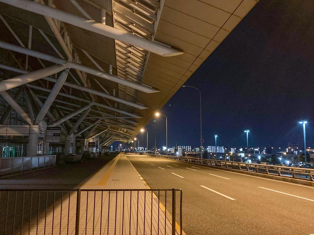 深夜の「福岡空港」は非日常感があって最高【デートスポット】