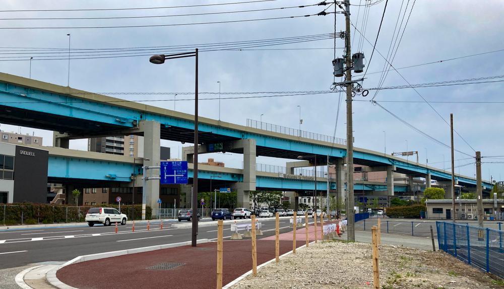 【沖浜町3丁目/マリン通り】の散策ついでに、外国人が福岡に来て最初に目にするのは「高速道路」説を提唱