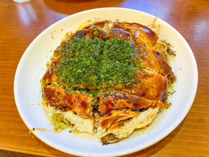 肉玉そば(830円)