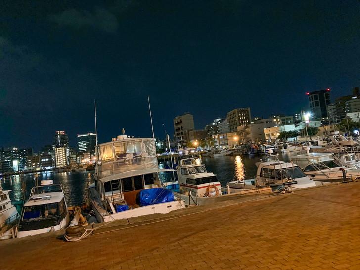 船と夜景を楽しめる